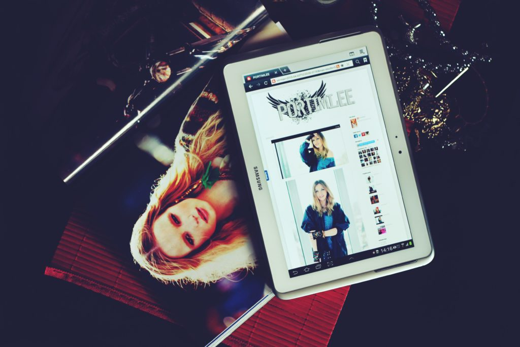 e-commerce on tablet